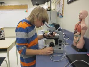 Le microscope optique